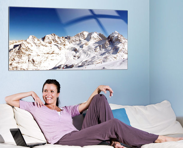 acrylglasfoto ueber dem sofa