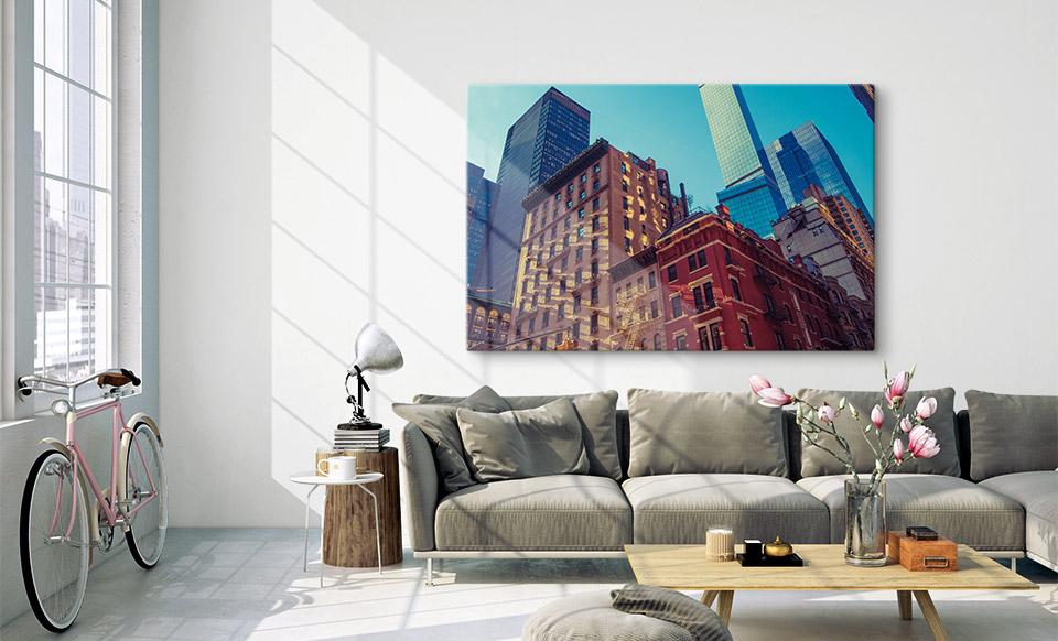 Foto auf Glas über dem Sofa